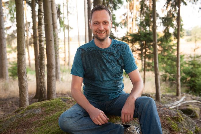 Thomas Grausgruber im Wald 2015